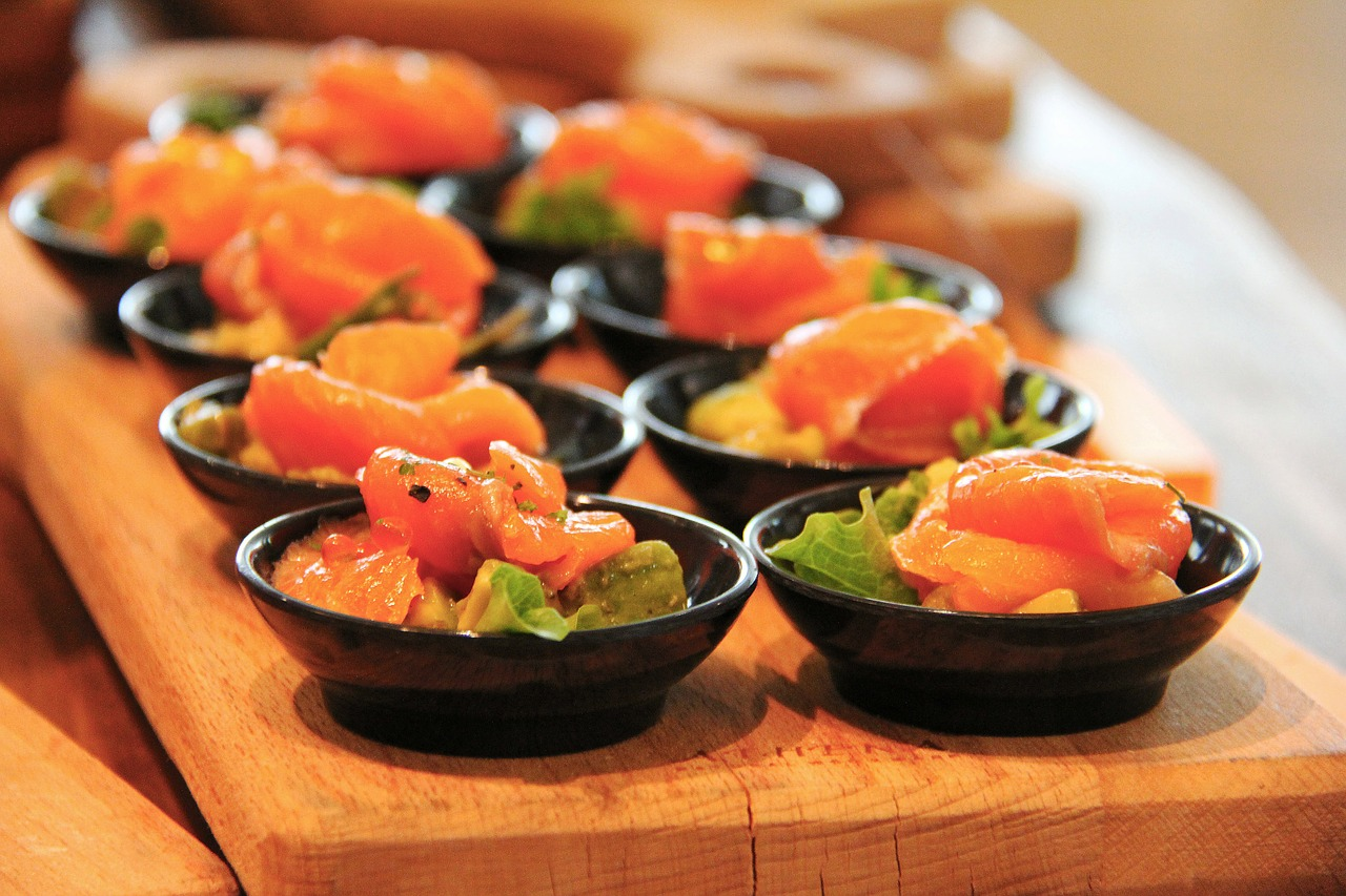 buffet- salmone e verdure in agrodolce